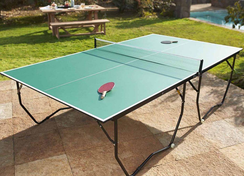 Mesa de ping pong en el exterior